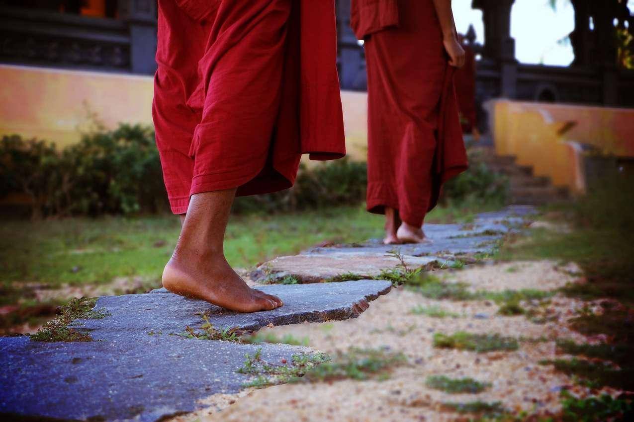 Buddhist monks turn to Jesus