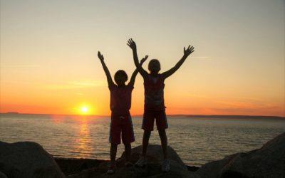 Teaching children to praise God